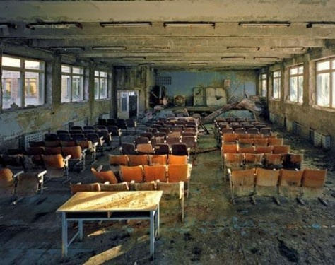 robert_polidori_-_auditorium_in_school_5_pripyat_2001_fullblock1