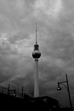 Grauer-Himmel-ueber-Berlin-a22585539
